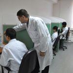 Идет тестирование студентов в компьютерном классе кафедры