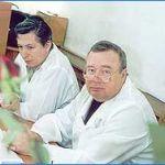 Академик В.И. Петров принимает экзамен у врачей-интернов