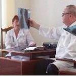 Академик В.И. Петров консультирует пациента с неясным диагнозом в ЦРБ (Елань)