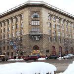 Главный корпус ВолгГМУ: площадь Павших Борцов, 1