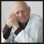 Заслуженный врач Российской Федерации, доктор медицинских наук, профессор, заведующий кафедрой госпитальной хирургии (1991-2004) Жидовинов Геннадий Ипполитович (6 ноября 1935 - 5 сентября 2012).