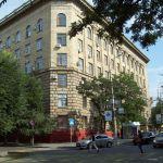 Главный корпус. Вид на угол проспекта им. Ленина и улицы Володарского