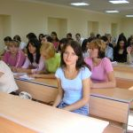 студенты второго выпуска факультета на первом курсовом собрании