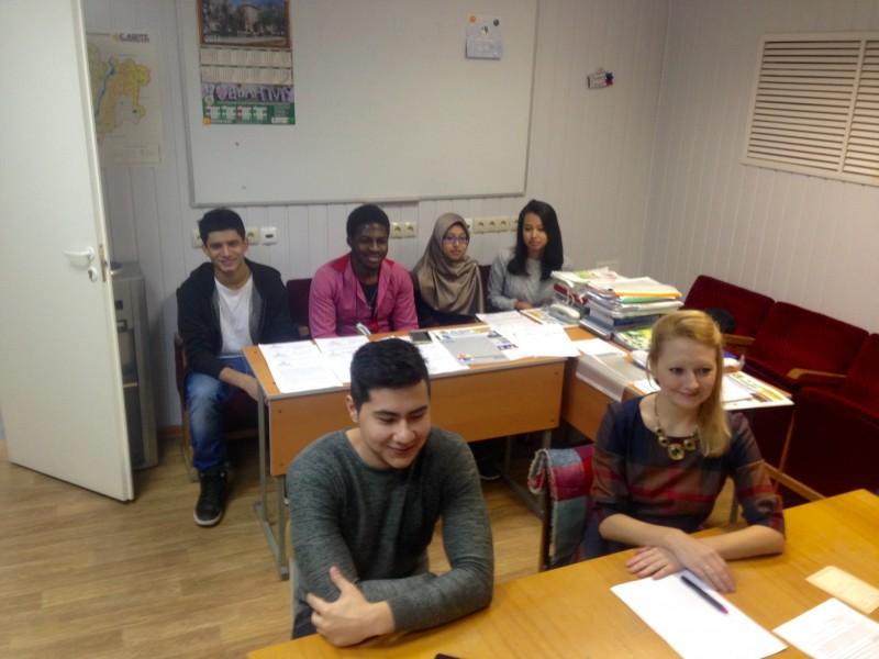 Студентка мединститута онлайн фото 147-621