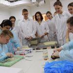 2019-06-07 Студенты-первокурсники освоили навыки препарирования лабораторных животных
