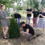 Выпускники ВолгГМУ посадили деревья в лагере