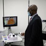 Посол Кении попробовал себя в качестве хирурга