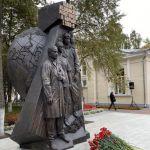 Открытие памятника врачам